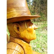 obrázek Dřevěná socha - Sedící muž s dýmkou